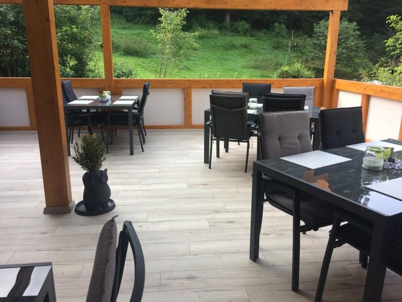 terrasse neu machen affordable whrend der unterbau aus grobem schotter verdichtet werden sollte. Black Bedroom Furniture Sets. Home Design Ideas